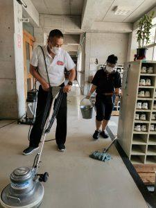 廊下掃除①